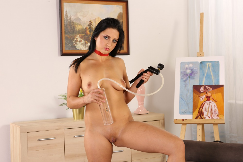 Oiled Up Pussy Play