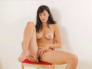 Lauren teases you as she uses her toy to make herself orgasm