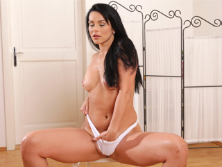 Katty enjoys nothing more then playing with her pussy hole
